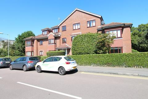 2 bedroom apartment to rent - Eastbury Avenue, Northwood. HA6