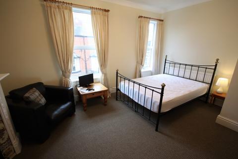 1 bedroom house share to rent - Albert Street