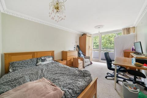 4 bedroom flat to rent - Holcroft Court, Clipstone Street, London, W1W