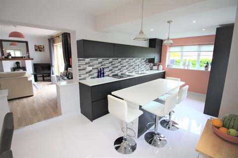 5 bedroom semi-detached house for sale - Cavendish Road, Patchway