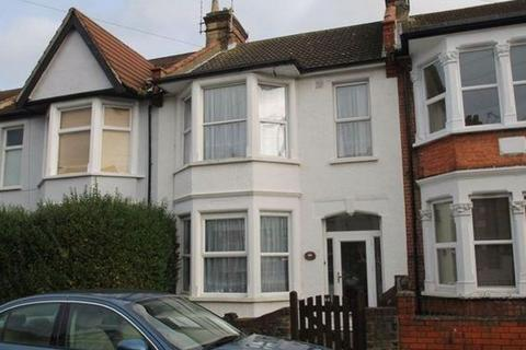 3 bedroom terraced house to rent - Glenwood Avenue, Westcliff-On-Sea