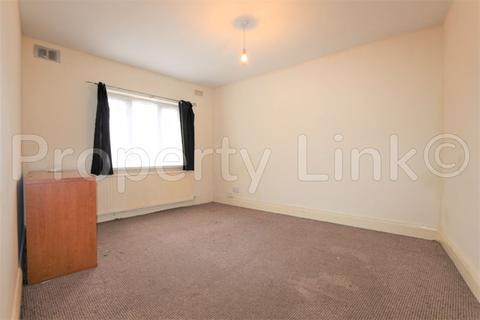2 bedroom apartment to rent - Porters Avenue, Dagenham