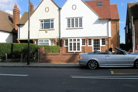 5 bedroom semi-detached house to rent - Grand Drive, Raynes Park, London, SW20 9DY