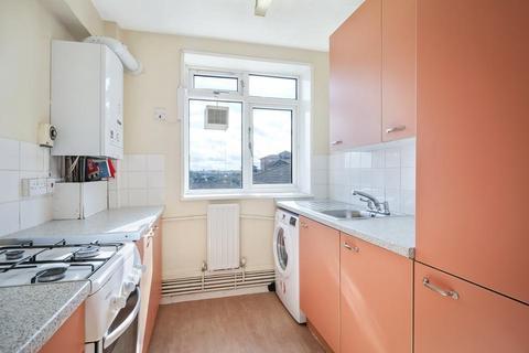 3 bedroom flat to rent - Wandsworth Road, London SW8