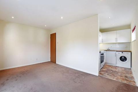 Studio for sale - Rabournmead Drive, Northolt