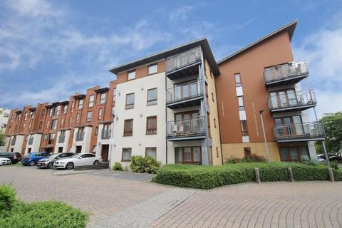 2 bedroom apartment to rent - Tomlin Court, Crawley