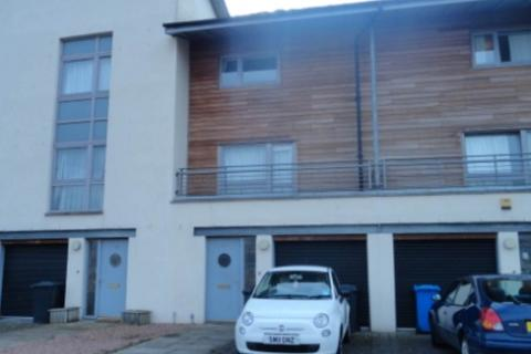 5 bedroom house share to rent - 48 South Victoria Dock Road, ,