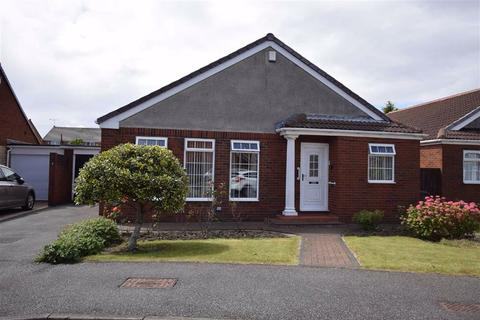 3 bedroom detached bungalow for sale - Braemar Drive, South Shields