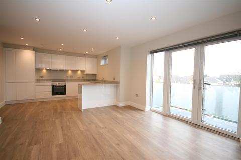 2 bedroom apartment to rent - Bayberry Court, Kingswood Place, Hayes