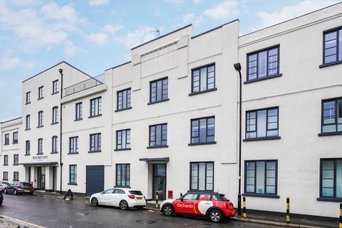 1 bedroom flat to rent - Warple Way, Acton, London, W3