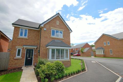 4 bedroom detached house for sale - Williams Drive, Shavington, Crewe