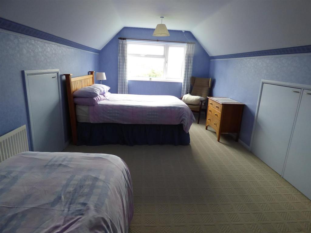 Master bedroom   bedroom one