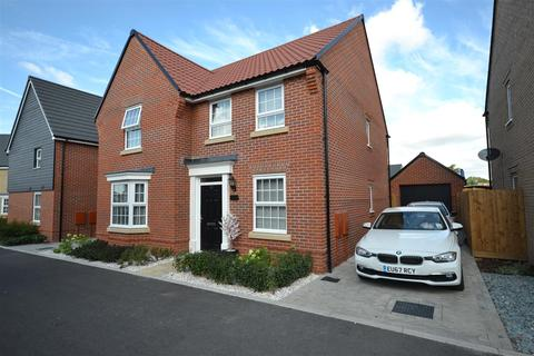 4 bedroom detached house for sale - Harris Street Burnham on Crouch