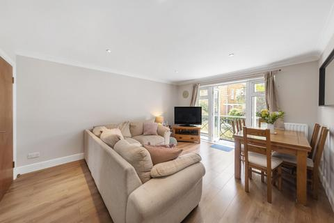 3 bedroom flat for sale - Rubens Place, SW4