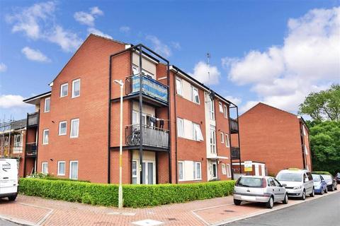 1 bedroom ground floor flat for sale - Speldhurst Close, Ashford, Kent