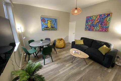 5 bedroom house to rent - Clinton St (Whole House), Beeston, NG9 1AZ