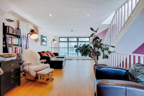 3 bedroom apartment to rent - Meridian Point, Creek Road, Greenwich, SE8
