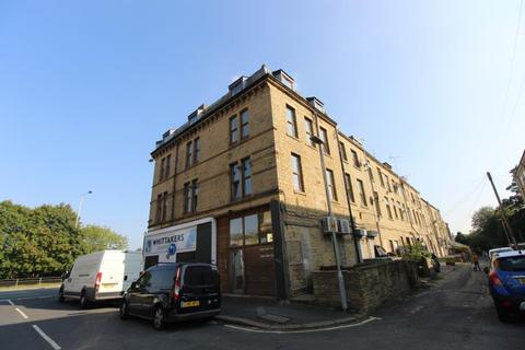 2 bedroom flat to rent - Charles Street, Shipley, West Yorkshire, BD17 7BL