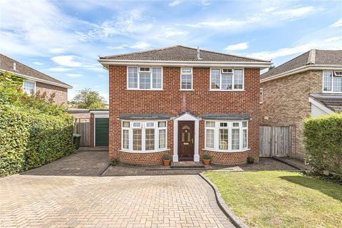 4 bedroom detached house for sale - Accentors Close, Alton, Hampshire, GU34
