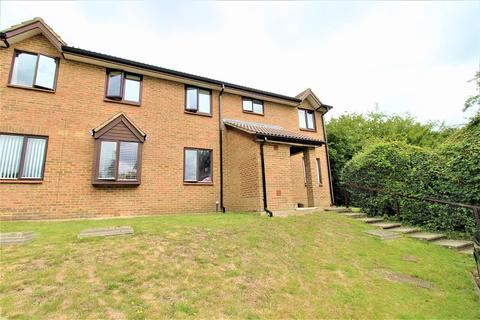 2 bedroom ground floor flat for sale - 66 Park View Road, Redhill, Surrey. RH1 5DN