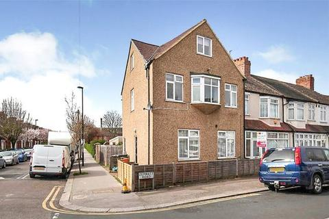 2 bedroom maisonette for sale - Zermatt Road, Thornton Heath, London, CR7 7BD