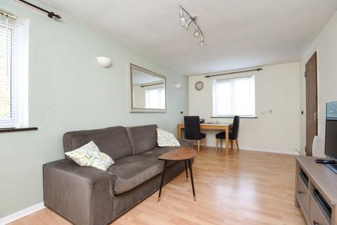 2 bedroom flat to rent - Chalice Court East Finchley N2