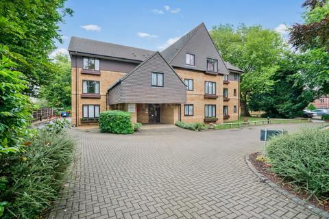 2 bedroom flat for sale - Brooklyn Court, Cherry Hinton Road, Cambridge, CB1