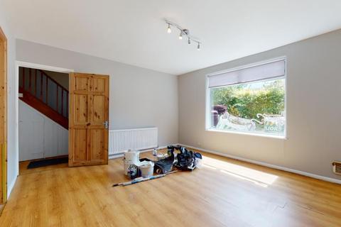 3 bedroom apartment to rent - Redbridge Lane West, London, E11