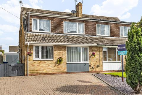 3 bedroom semi-detached house for sale - Chesnut Avenue , Beverley , East Yorkshire , HU17 9RB