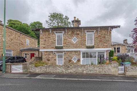 3 bedroom semi-detached house - Snows Green Road, Consett, DH8 0HA