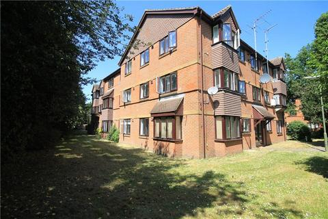 2 bedroom apartment for sale - Dutch Barn Close, Stanwell, Staines-upon-Thames, Surrey, TW19