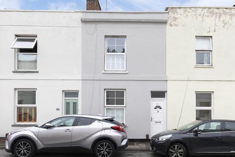 3 bedroom terraced house for sale - Keynsham Street, Cheltenham GL52 6EN
