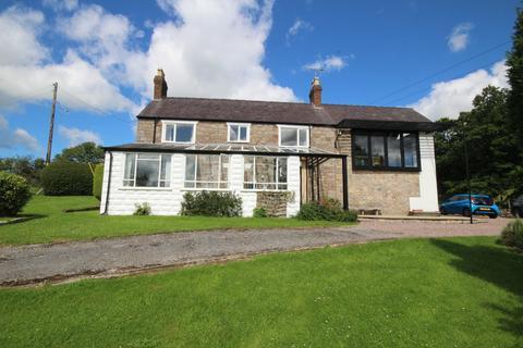 3 bedroom detached house for sale - Llanfynydd