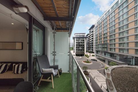 1 bedroom apartment for sale - Lanson Building, Queenstown Road, SW11