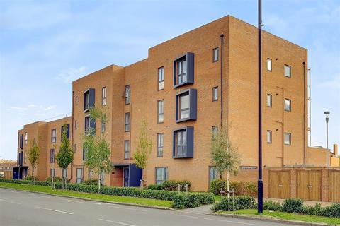 1 bedroom flat for sale - Blanchard Court, Cranford, TW5