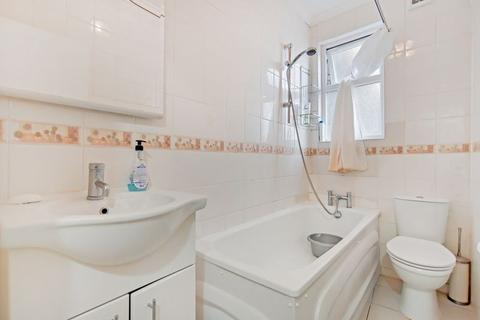 2 bedroom apartment for sale - Palace Gates Road, London N22