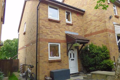 2 bedroom semi-detached house for sale - Freshwater Road, Walderslade, Chatham