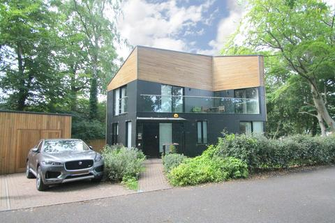 4 bedroom detached house for sale - Manor Wood Grove, Bagshot, GU19