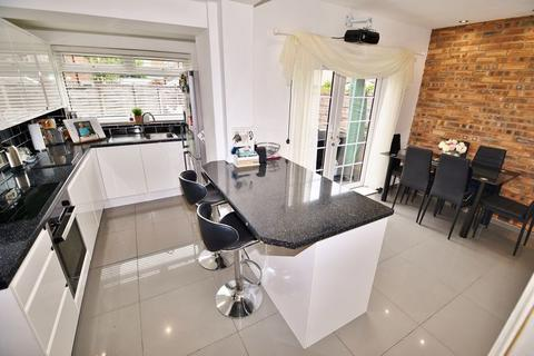 3 bedroom semi-detached house for sale - Vaughan Street, Manchester
