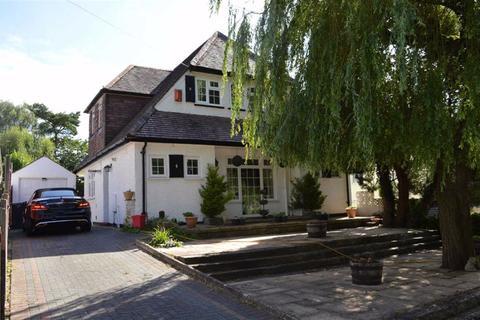4 bedroom chalet for sale - Magna Road, Bournemouth, Dorset