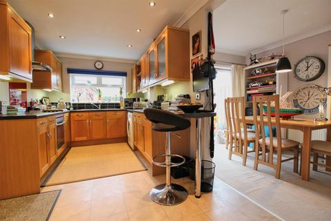 3 bedroom semi-detached house for sale - Molescroft Park, Beverley