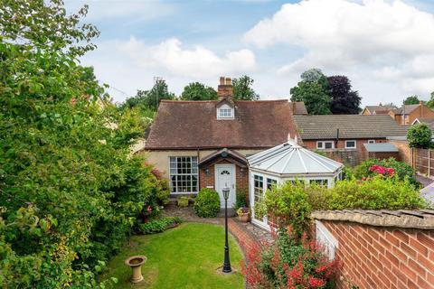 2 bedroom cottage - William Street, Loughborough