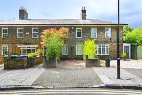 3 bedroom cottage for sale - Thermopylae Gate, London, E14