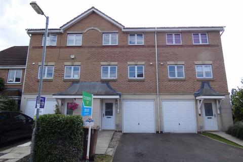 3 bedroom terraced house to rent - Barberry Court, Brough