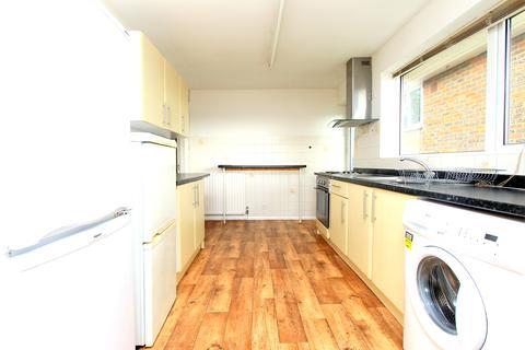5 bedroom maisonette to rent - Wolverstone Drive , Brighton BN1