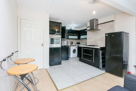 3 bedroom apartment to rent - Essex Road, Islington, N1