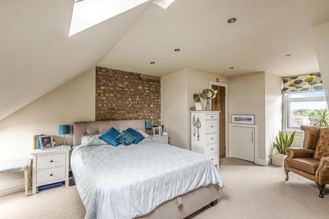 2 bedroom flat for sale - Drewstead Road, Streatham