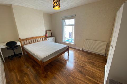 2 bedroom terraced house to rent - Western Street, Swansea, West Glamorgan