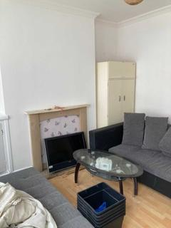 2 bedroom terraced house to rent - St Michaels Avenue, Leicester