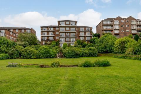 3 bedroom flat for sale - Oatlands Drive, Weybridge, Surrey, KT13
